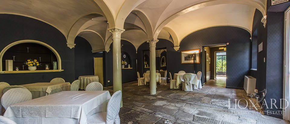 Refined villa for sale in Tuscany Image 15