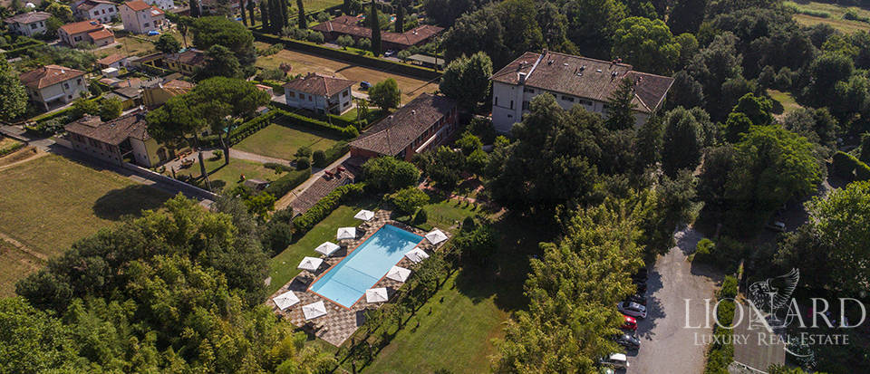 Refined villa for sale in Tuscany Image 46