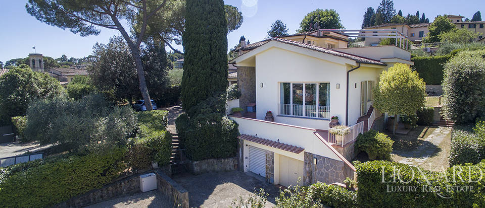 Villa in Florence for sale Image 2
