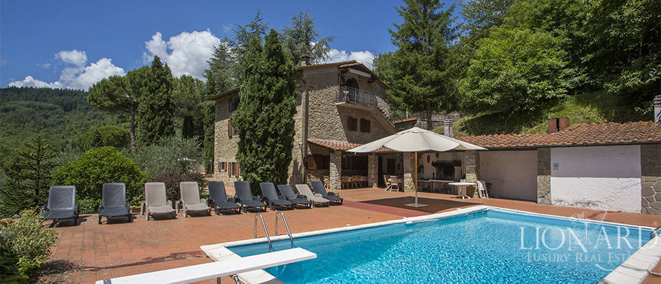 Luxurious country home for sale in the Mugello area Image 16