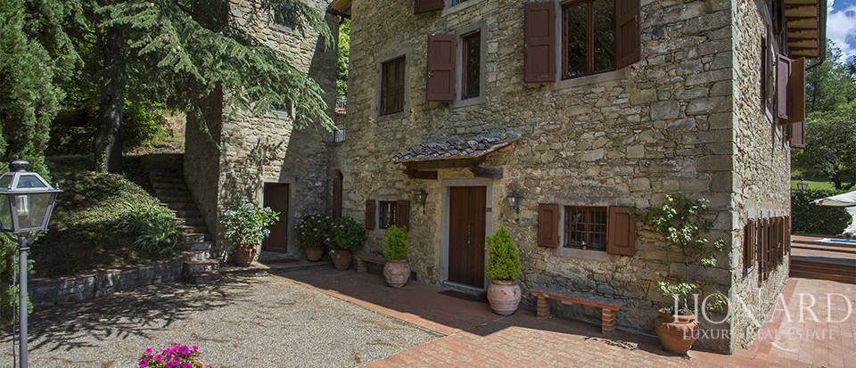 Luxurious country home for sale in the Mugello area Image 12