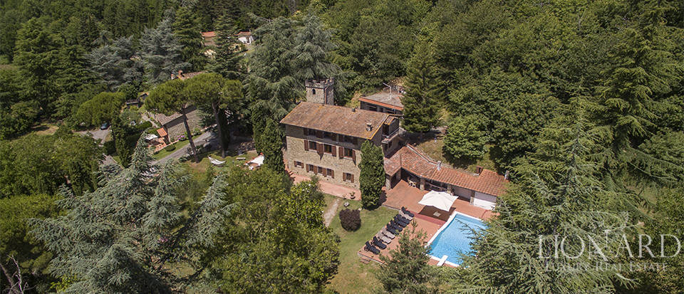 Luxurious country home for sale in the Mugello area Image 1