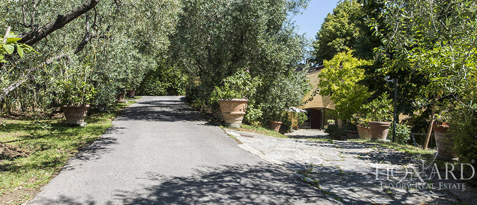 Tuscan villa for sale in Fiesole Image 13