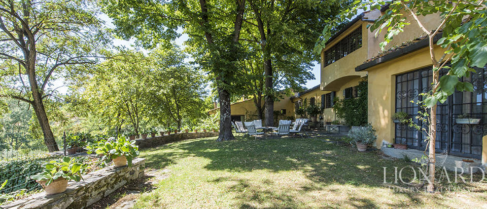 Tuscan villa for sale in Fiesole Image 1