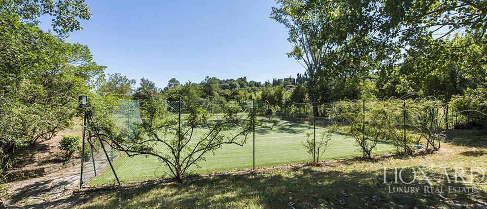 Tuscan villa for sale in Fiesole Image 16