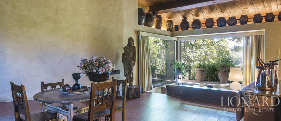Tuscan villa for sale in Fiesole Image 27