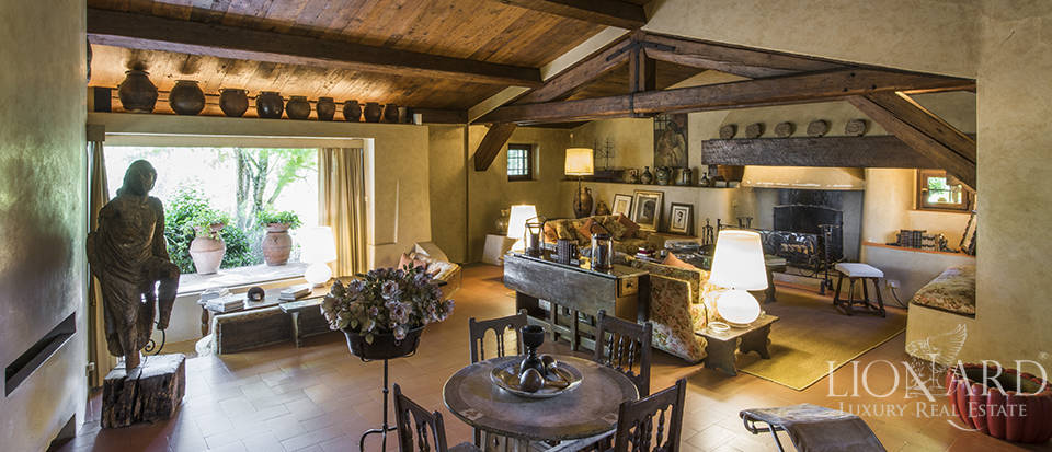 Tuscan villa for sale in Fiesole Image 28