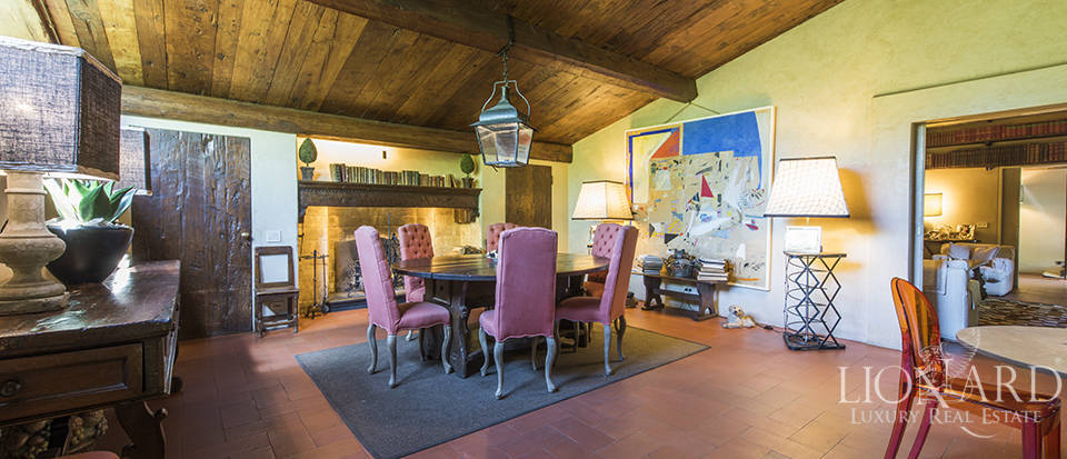 Tuscan villa for sale in Fiesole Image 30