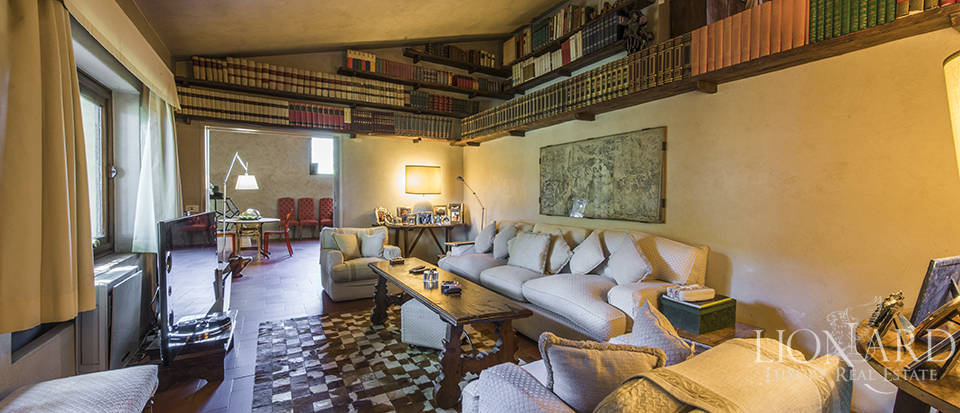 Tuscan villa for sale in Fiesole Image 34