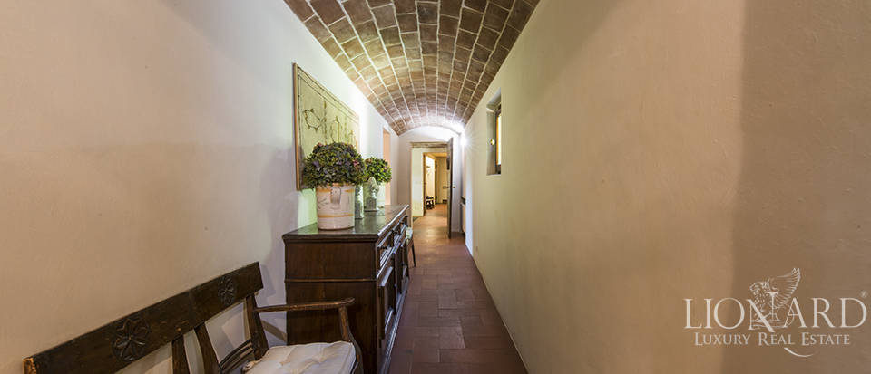 Tuscan villa for sale in Fiesole Image 42