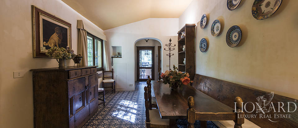 Tuscan villa for sale in Fiesole Image 43