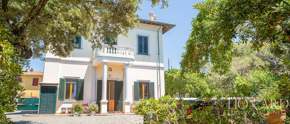 Villa by with swimming pool by the sea in Tuscany Image 8