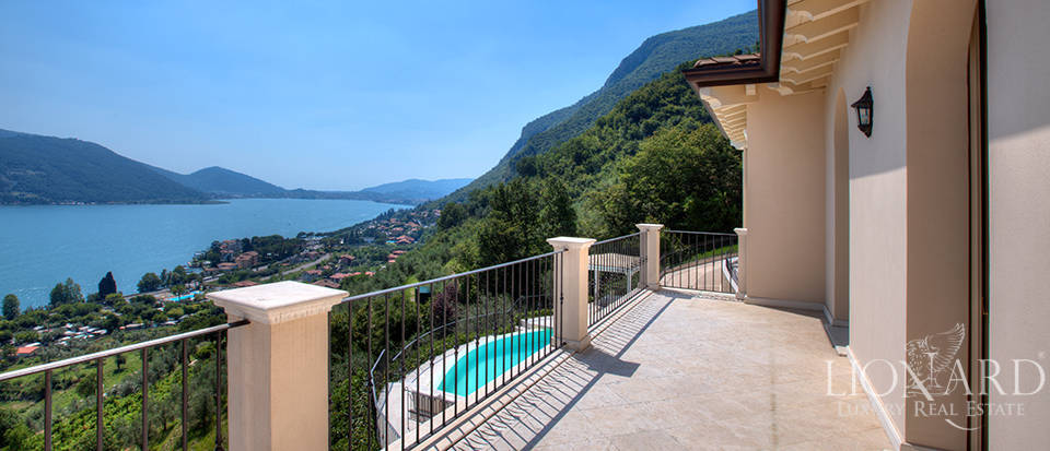 Luxury villa for sale in the province of Bergamo Image 19