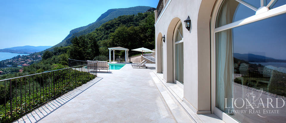 Luxury villa for sale in the province of Bergamo Image 10