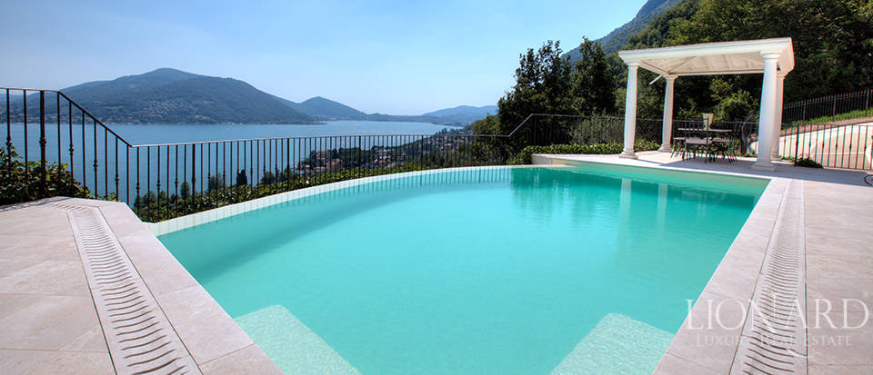 Luxury villa for sale in the province of Bergamo Image 12