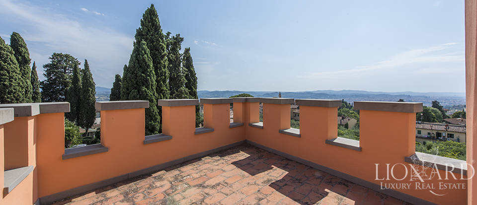 Luxury villa in an exclusive area near Florence Image 65