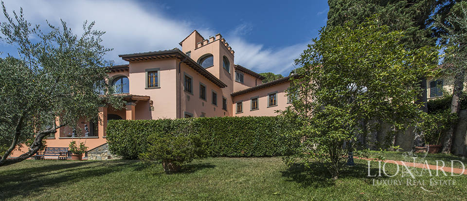 Luxury villa in an exclusive area near Florence Image 3