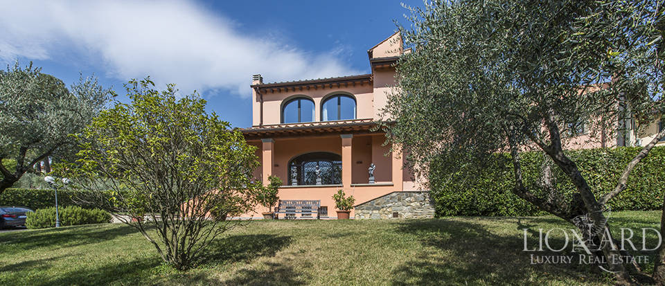 Luxury villa in an exclusive area near Florence Image 4