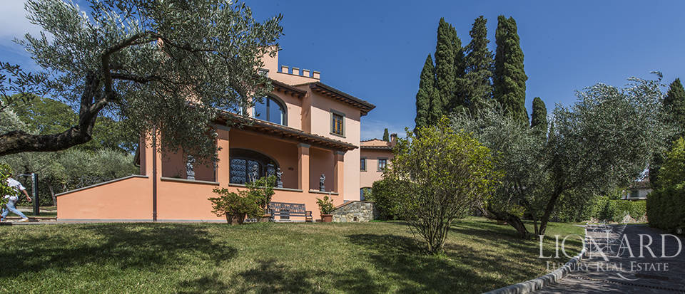 Luxury villa in an exclusive area near Florence Image 5
