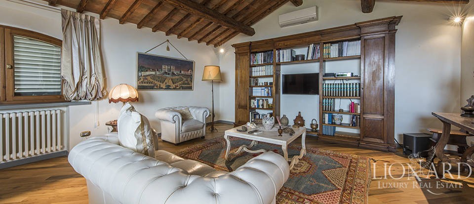 Luxury villa in an exclusive area near Florence Image 25
