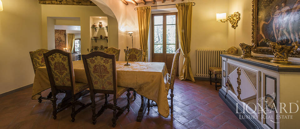 Luxury villa in an exclusive area near Florence Image 44