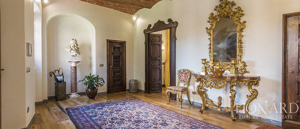 Luxury villa in an exclusive area near Florence Image 46