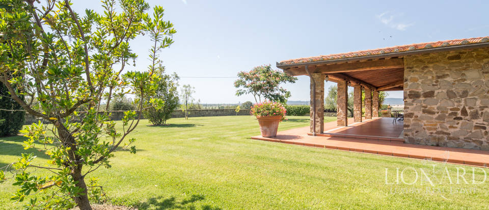 Prestigious agritourism resort with swimming pool for sale in Grosseto Image 12