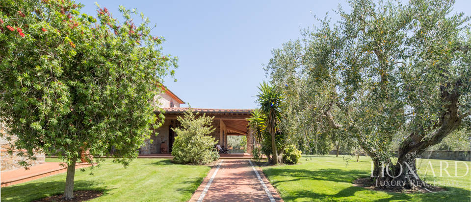 Prestigious agritourism resort with swimming pool for sale in Grosseto Image 4