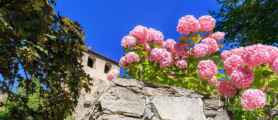 Refined castle for sale in the Aosta Valley Image 54