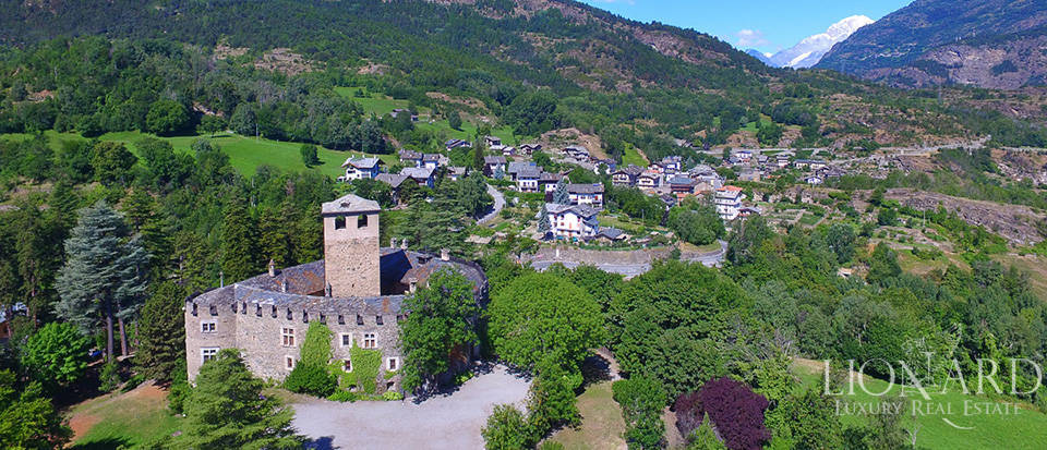 Refined castle for sale in the Aosta Valley Image 59