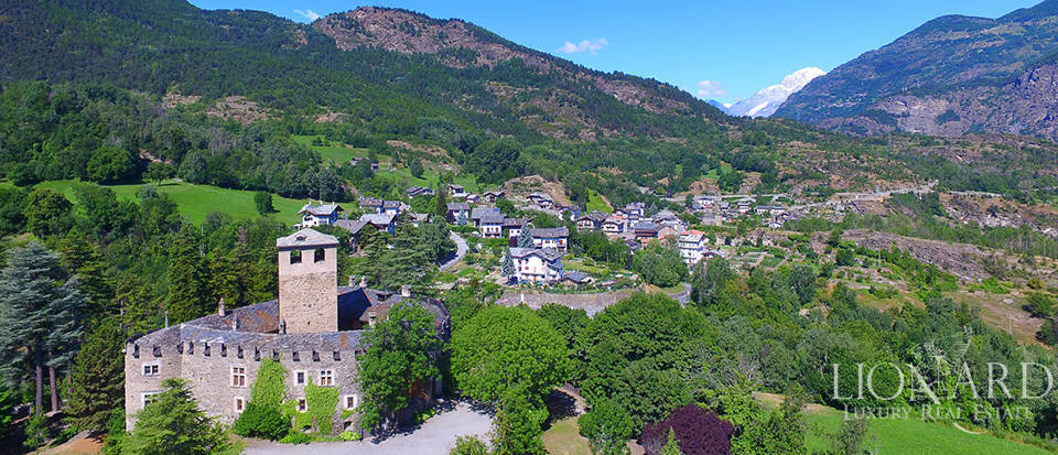 Refined castle for sale in the Aosta Valley Image 60
