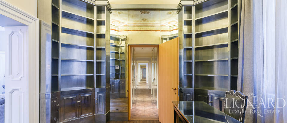 Luxurious apartment for sale in Rome Image 25