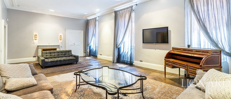 Magnificent luxury apartment for sale in Rome Image 1