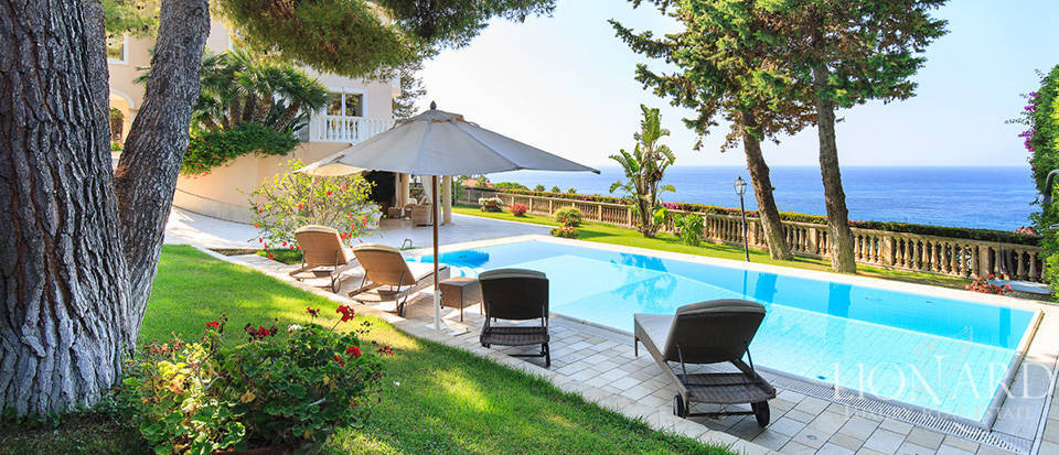 Villa with swimming pool and panoramic view in Sanremo Image 5