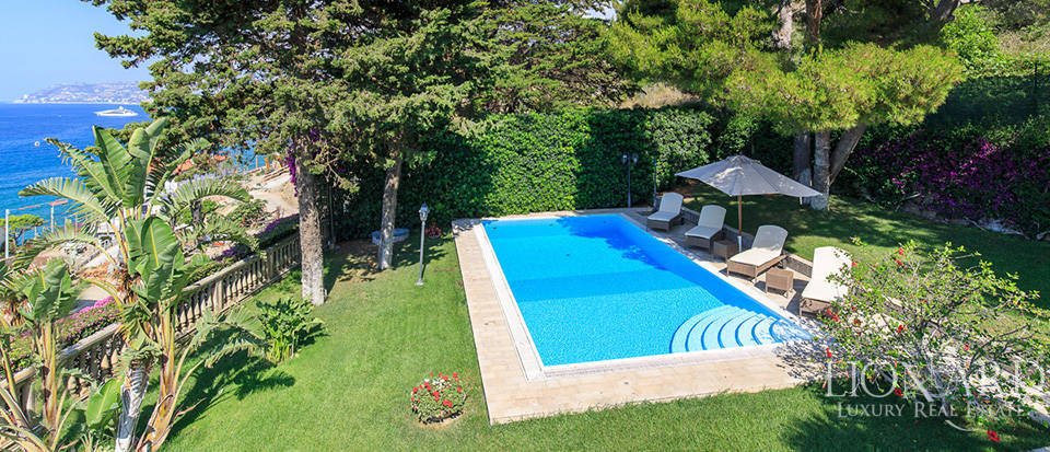 Villa with swimming pool and panoramic view in Sanremo Image 55