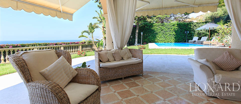 Villa with swimming pool and panoramic view in Sanremo Image 22