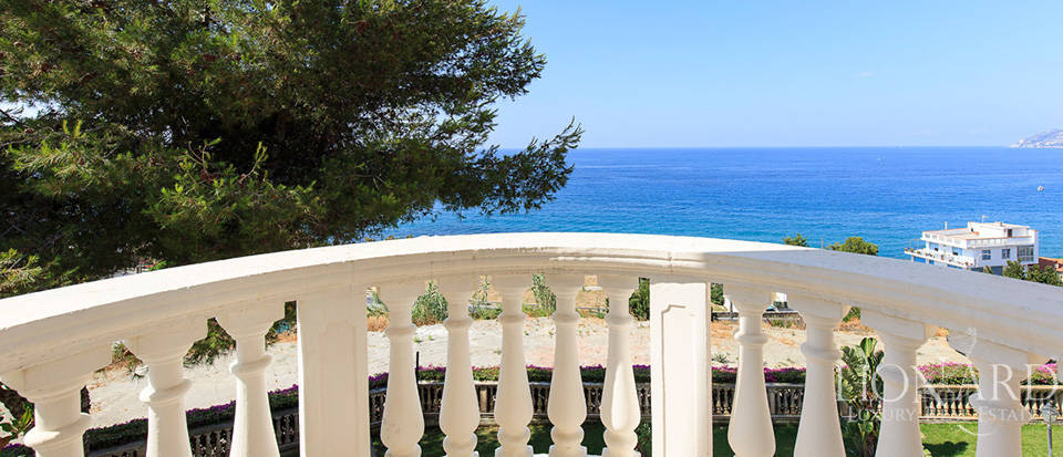 Villa with swimming pool and panoramic view in Sanremo Image 52