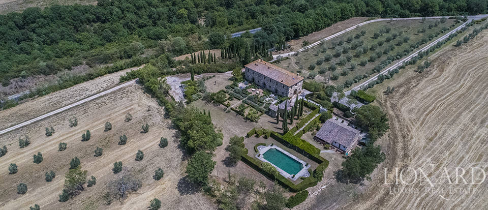 Luxury estate for sale in Tuscany Image 1