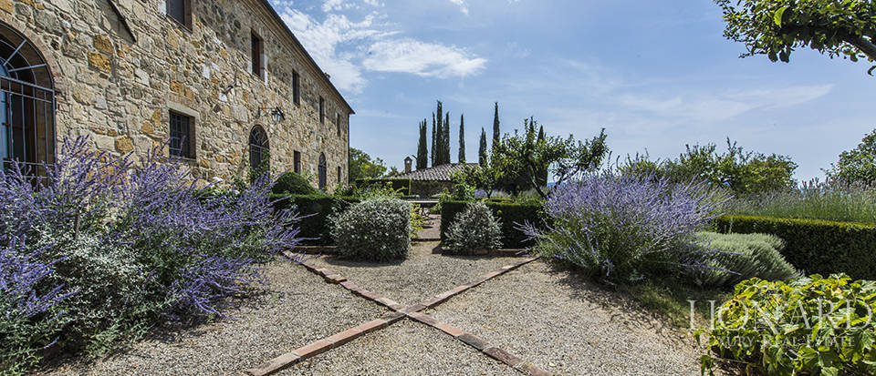 Luxury estate for sale in Tuscany Image 3