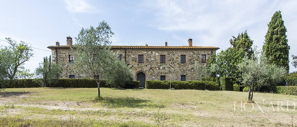 Luxury estate for sale in Tuscany Image 45
