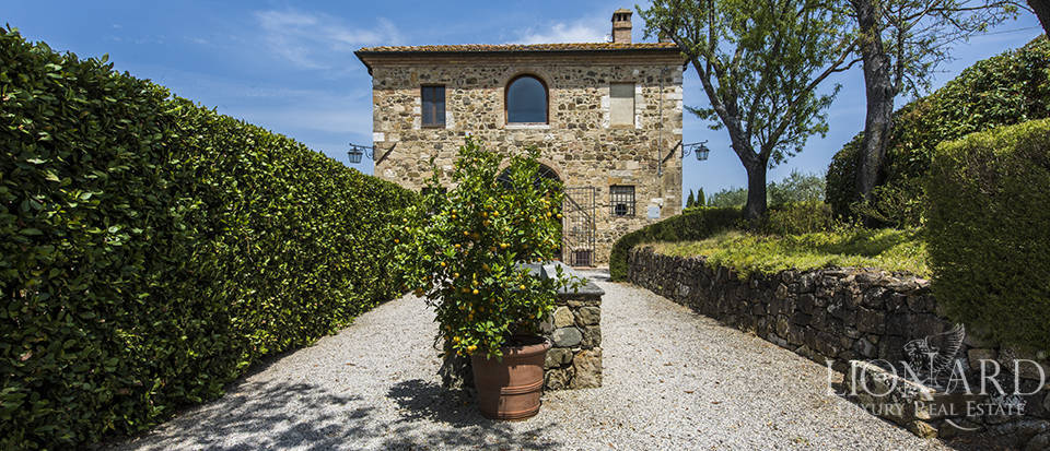 Luxury estate for sale in Tuscany Image 48