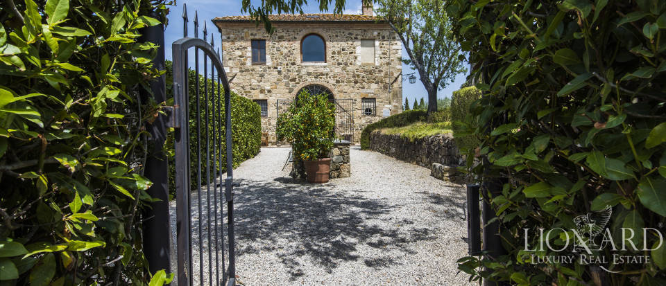 Luxury estate for sale in Tuscany Image 6