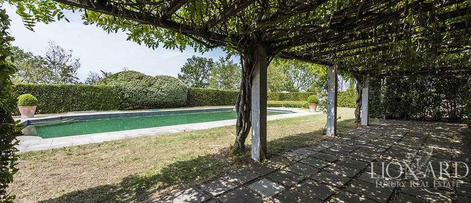 Luxury estate for sale in Tuscany Image 7