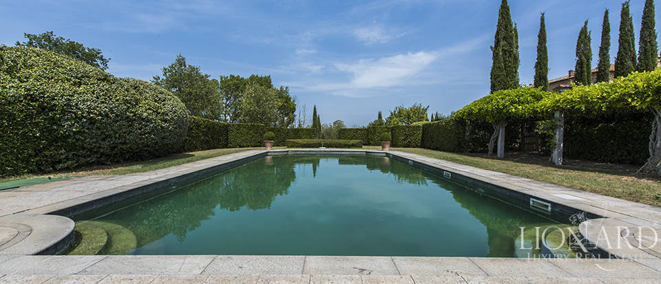Luxury estate for sale in Tuscany Image 8