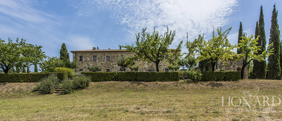 Luxury estate for sale in Tuscany Image 11