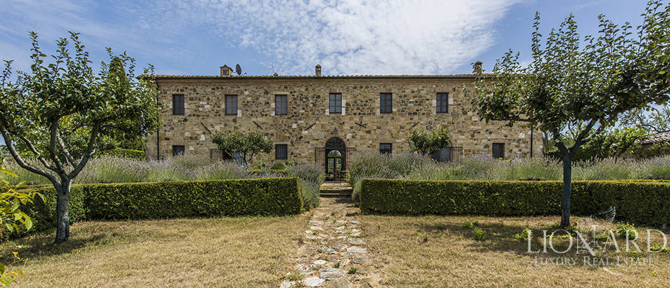 Luxury estate for sale in Tuscany Image 12