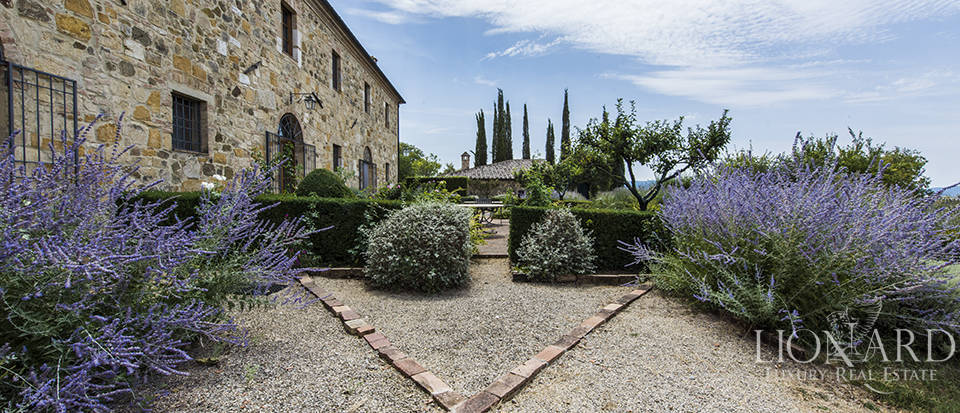 Luxury estate for sale in Tuscany Image 14