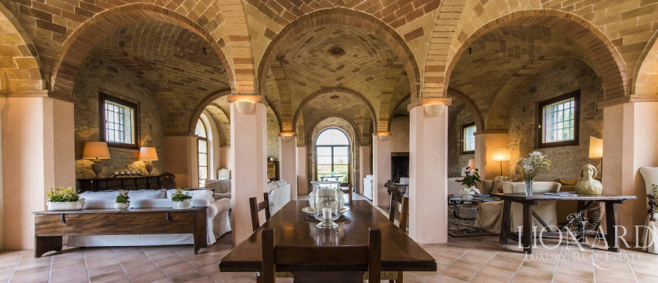 Luxury estate for sale in Tuscany Image 16