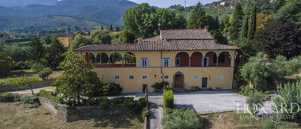 prestigious estate with swimming pool very close to lucca