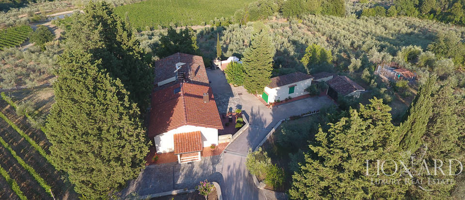 Luxury farmstead a few kilometres from Florence Image 43